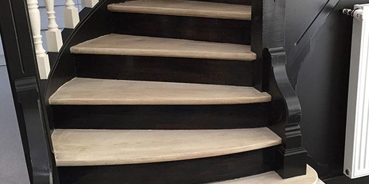 Escalier noir et blanc - Jean-Paul coupet
